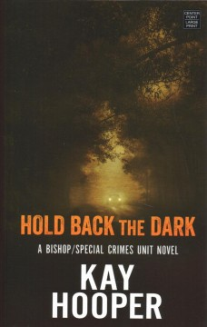 Hold back the dark /  Kay Hooper. - Kay Hooper.