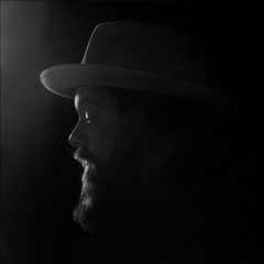 Tearing at the seams /  Nathaniel Rateliff & The Night Sweats. - Nathaniel Rateliff & The Night Sweats.