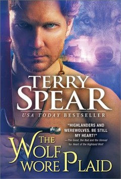 The wolf wore plaid /  Terry Spear.